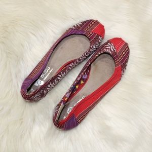 Bob's Skechers Patchwork Rounded Toe Flats sz 9.5